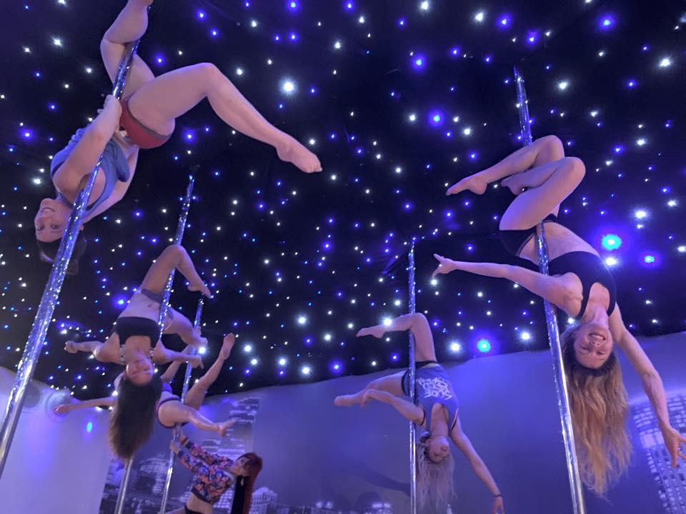 студия танцев на пилоне фото интерьера pole dance studio