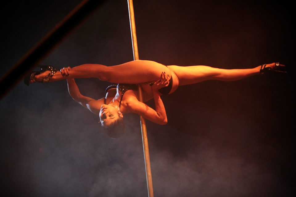 miss-pole-dance-australia-44-2009.jpg