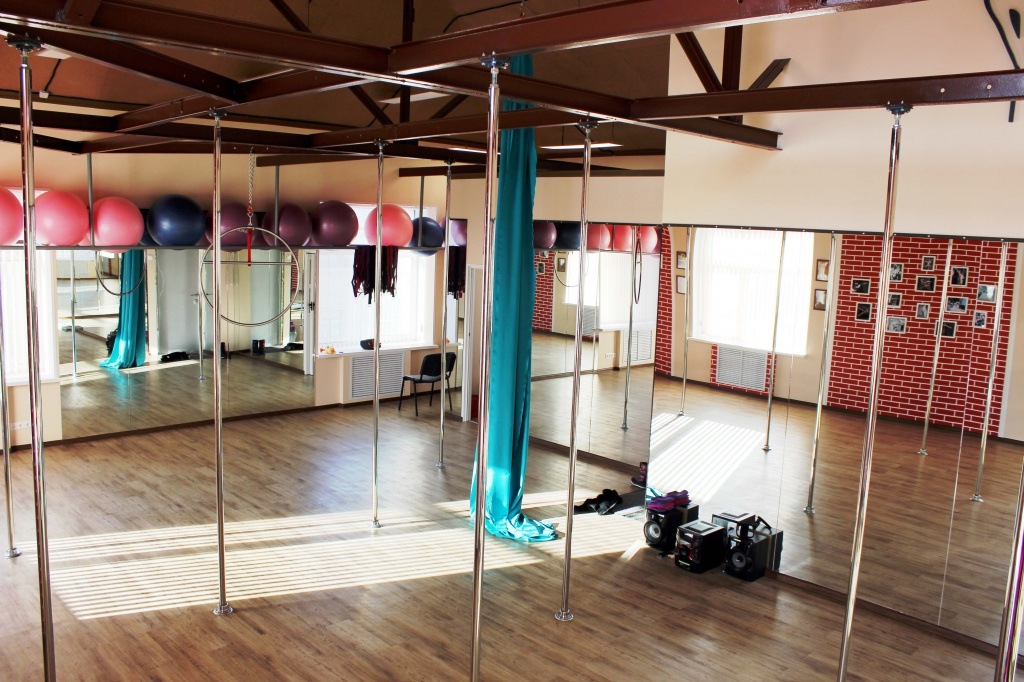 PACIFIC POLE DANCE Studio