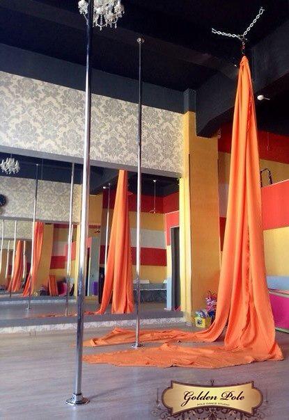 aerial silk или полотна для воздушной гимнастики
